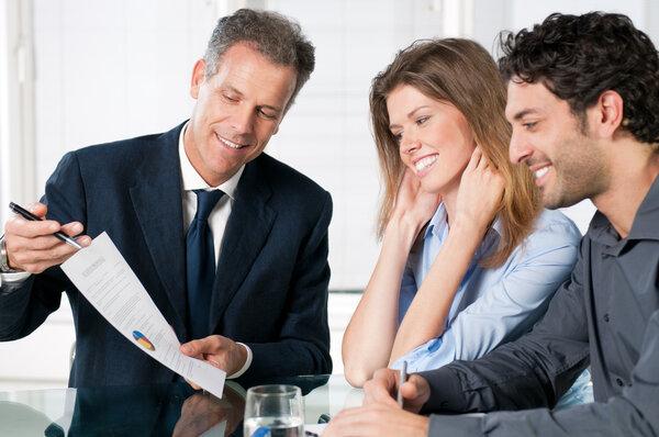 Att välja låneförmedlare för privatlån - vad ska man tänka på?